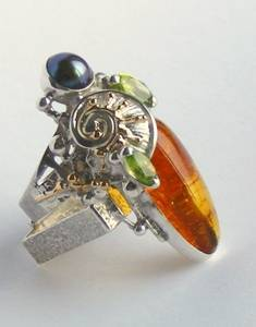 Original Handmade by Artist Designer Maker, Gregory Pyra Piro One of a Kind Original #Handmade #Sterling #Silver and #Gold, Jewellery in #London, #Art Jewellery, #Jewellery Handcrafted by #Artist, #Ring 4002