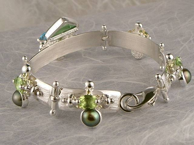 Gregory Pyra Piro One of a Kind Handmade Bracelet 2940 in Sterling Silver and 18 Karat Gold with Blue Topaz, Peridot, Pearls, and Glass