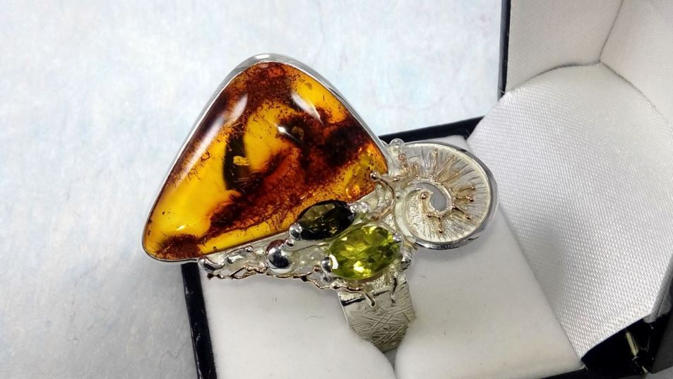 Ring #30164, sterling silver and 14 karat gold, amber, peridot, green tourmaline, original handmade, one of a kind jewellery, art jewellery, Gregory Pyra Piro