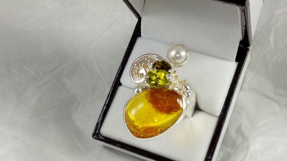Ring #84942, sterling silver and 14 karat gold, amber, peridot, green tourmaline, pearl, original handmade, one of a kind jewellery, art jewellery, Gregory Pyra Piro