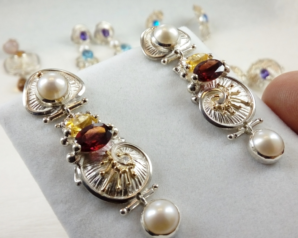 gregory pyra piro handcrafted earrings 2932, mixed metal earrings from sterling silver and 14k gold, handcrafted earrings with citrine and garnet, handmade earrings with garnet and pearls, handcrafted earrings in art and craft galleries