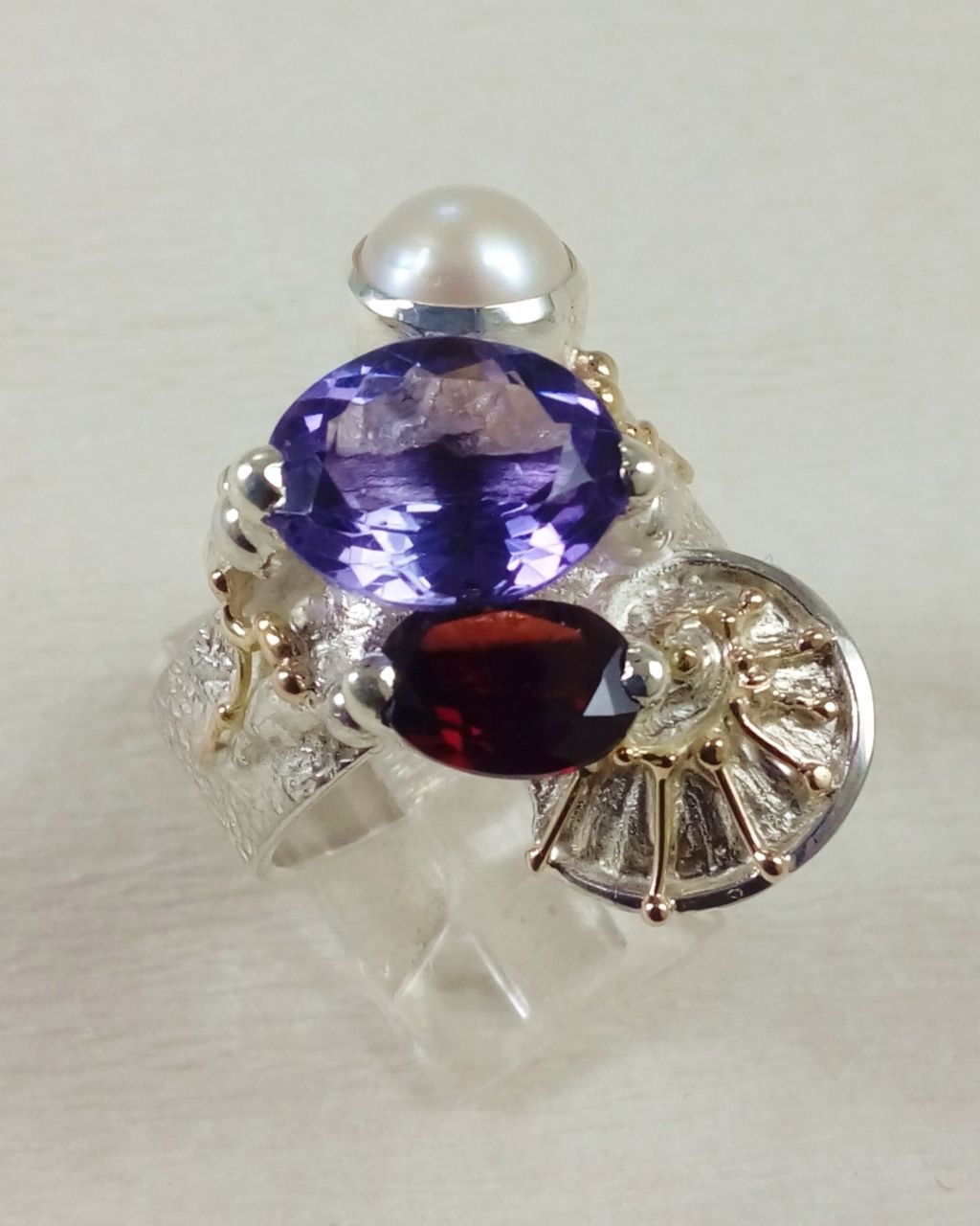 Gregory Pyra Piro ring 3035, Gregory Pyra Piro art jewellery, one of a kind jewellery with amethyst and garnet, handcrafted jewellery with gemstones and pearls, handcrafted jewellery sold in art and craft galleries, mixed metal jewellery with gemstones and pearls, artists during lockdown, jewellery makers during lockdown, rings made during lockdown