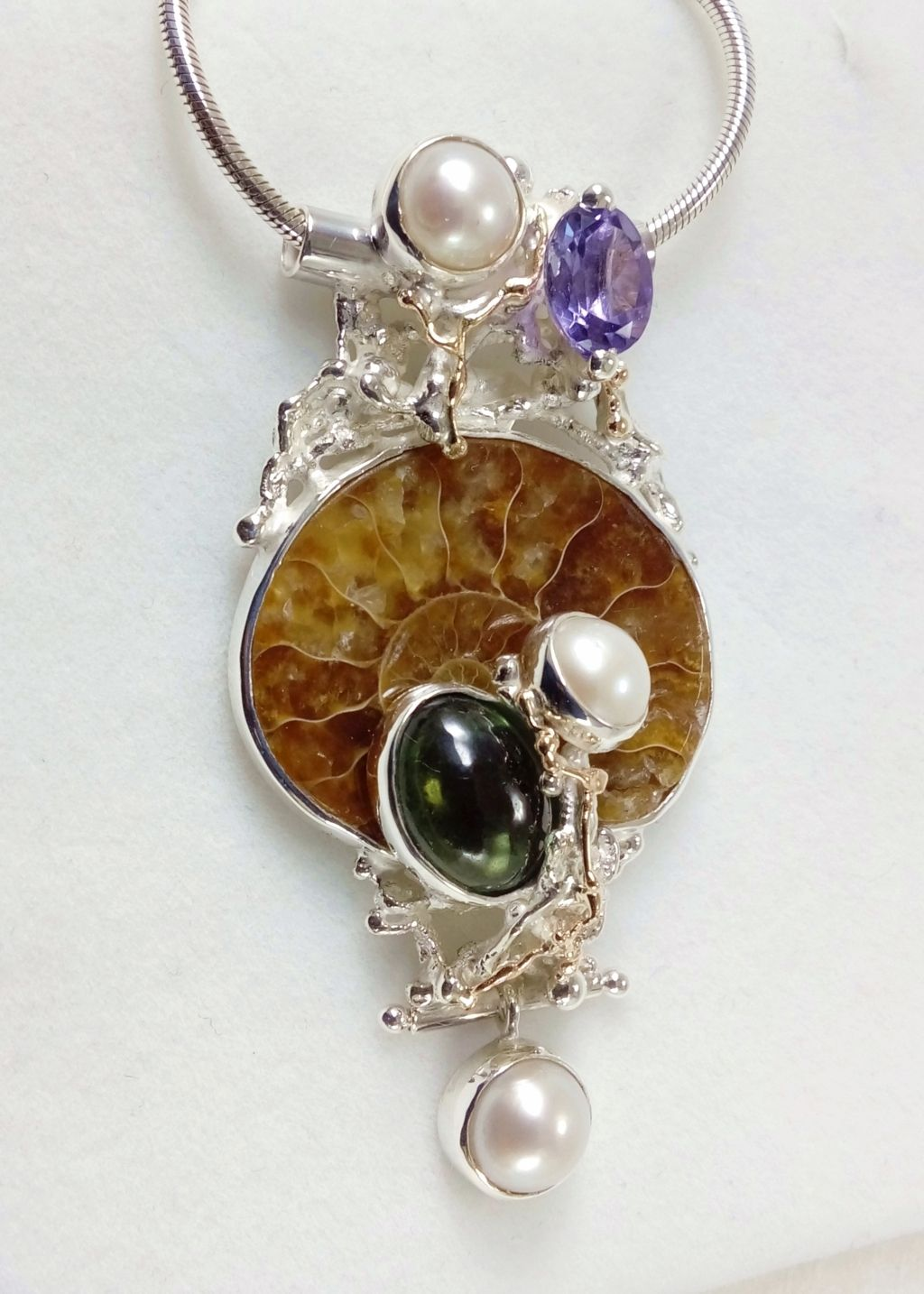 gregory pyra piro, pendant #4921, sterling silver and 14 karat gold pendant, pendant with faceted amethyst and fluorite, pendant with amethyst and ammonite, pendant with ammonite and fluorite, one of a kind handcrafted ring, original handcrafted jewellery