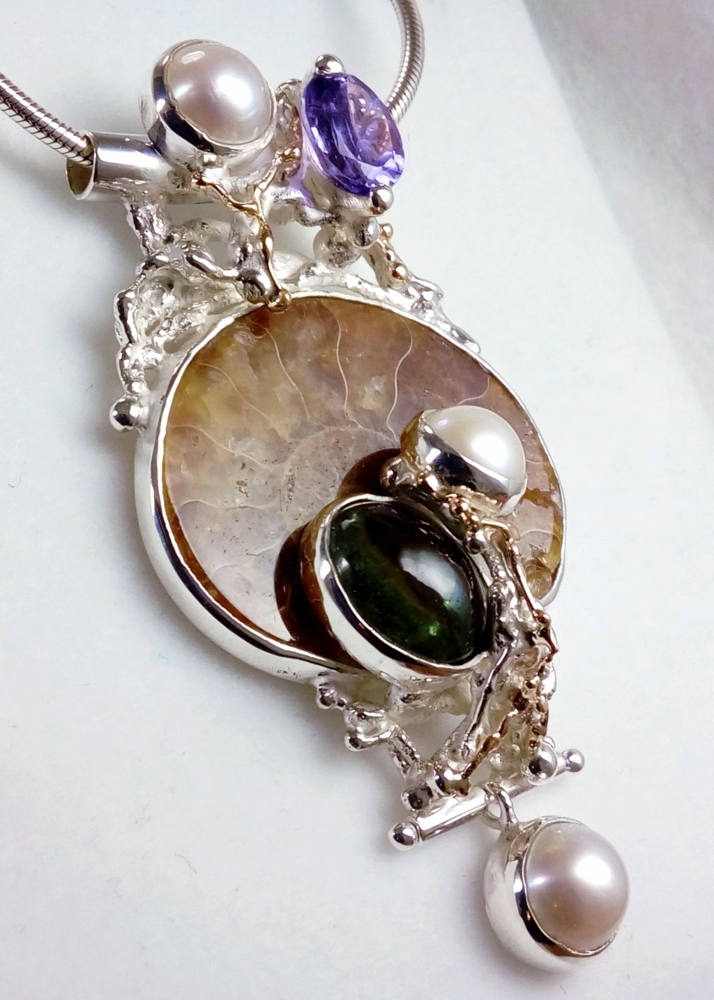 gregory pyra piro, pendant #4921, sterling silver and 14 karat gold pendant, pendant with faceted amethyst and fluorite, pendant with amethyst and ammonite, pendant with ammonite and fluorite, one of a kind handcrafted pendant, original handcrafted jewellery