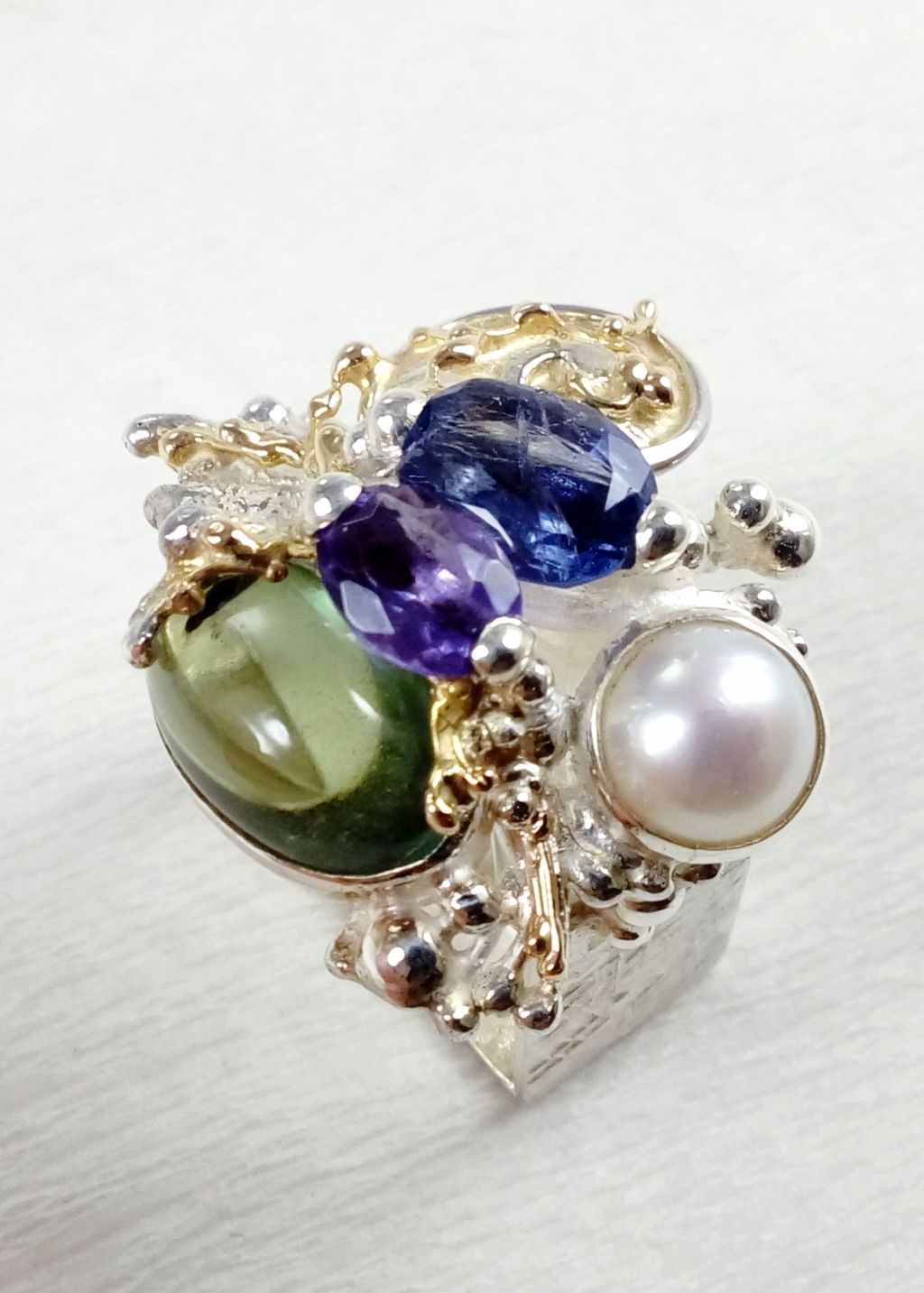 gregory pyra piro, square ring #4821, sterling silver and 14 karat gold ring, ring with amethyst, fluorite, iolite and pearl, one of a kind handcrafted ring, original handcrafted jewellery